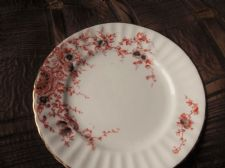 ANTIQUE GILDED SIDE PLATE OCHRE DESIGN FLUTED RIM GREY HANDPAINTED FLOWERS